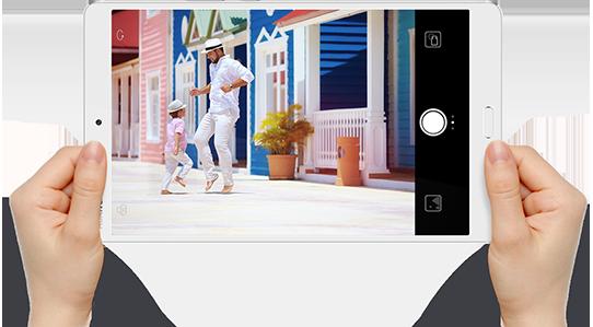 HUAWEI MediaPad M3 with camera UI